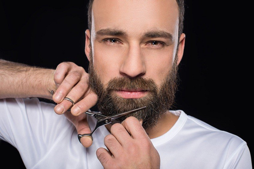 beard trim with beard scissors
