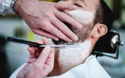 How to Style a Beard with a Straight Razor