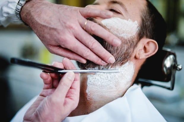 How to Style a Beard with a Straight Razor Like a Barber