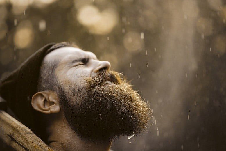 How to Protect Your Beard on Rainy Days