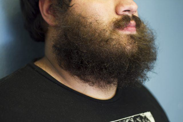 How to Straighten Your Curly Beard – 4 Simple Ways
