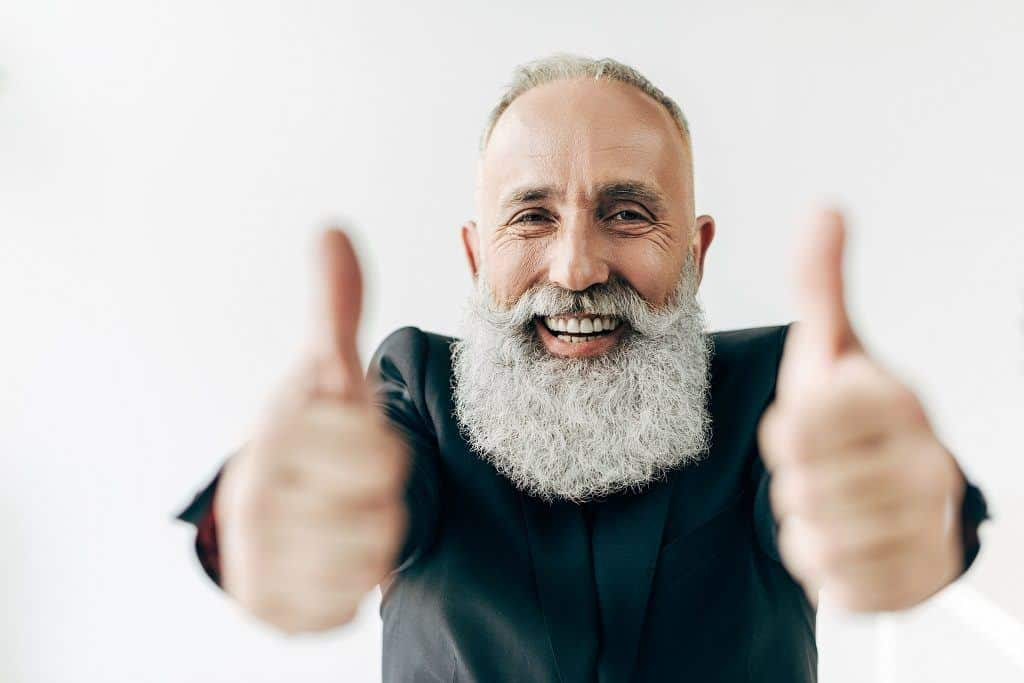 how to clean up your beard