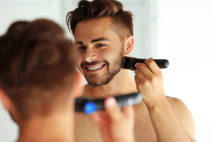 Using a Professional Beard Trimmer
