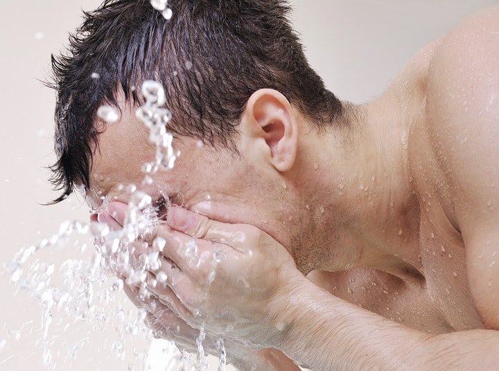 9 Best Face Washes for Men (All Skin Types) – For Clean and Healthy Looking Skin