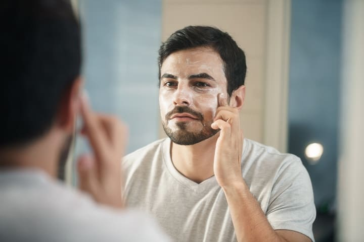 9 Best Anti-Aging Creams for Men That Will Fully Revitalize Your Skin