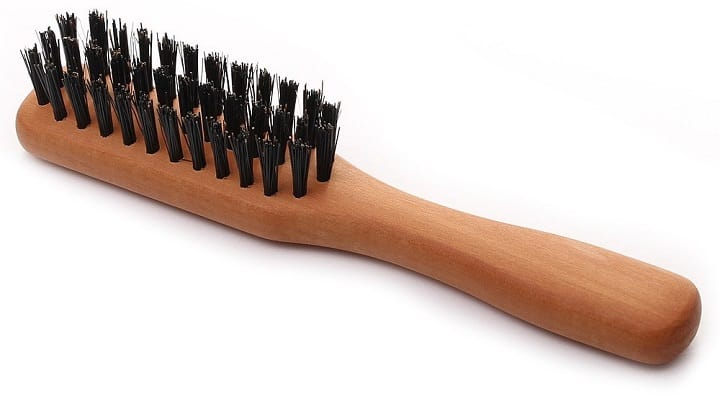 Quali sono i vantaggi dell'uso di una spazzola da barba
