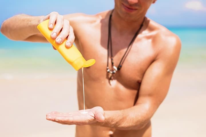 21 Best Men's Sunscreens for Full Protection & Toned Body