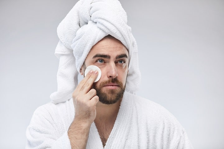 Best Toners for Men for Glowing & Toned Skin Without Pores