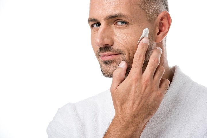 How to Properly Apply a Face Cream for Men