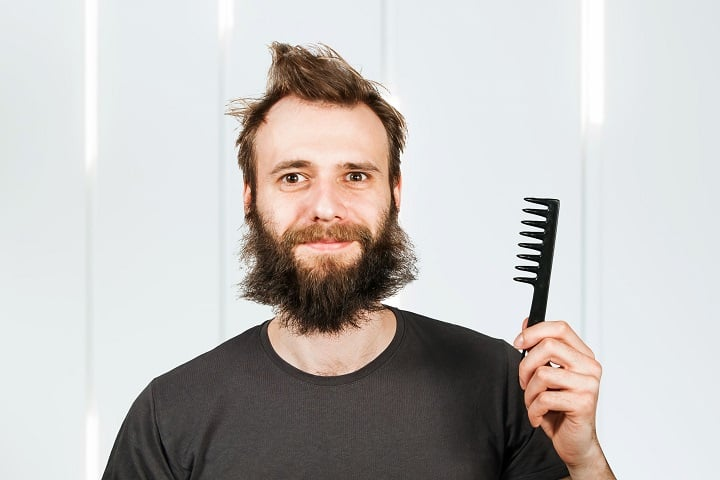 Methods to Prevent a Scraggly Beard - Comb It Regularly