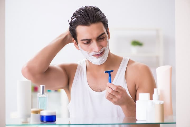 Shave Before or After Shower – When Is the Better Time