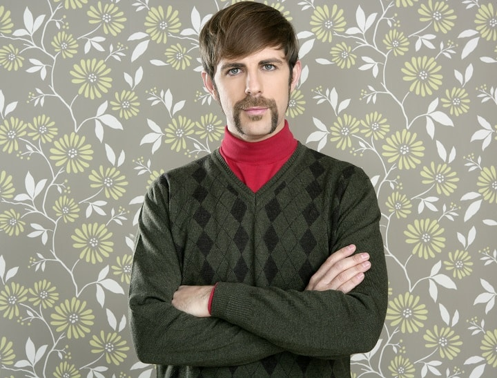 Horseshoe Mustache – Controversial Style for the Brave Men