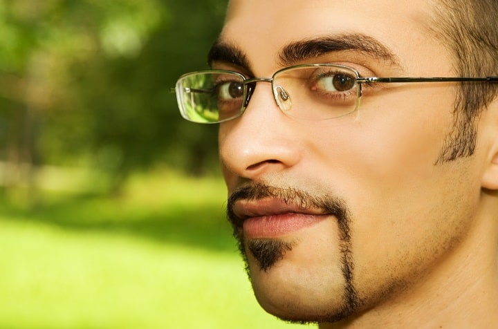 Pros and Cons of the Horseshoe Mustache